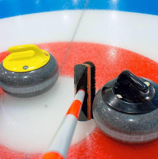 Curlingens dag – spil curling i din lokale curlingklub!